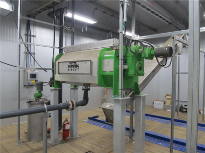 Fully automated screw press dewatering systems